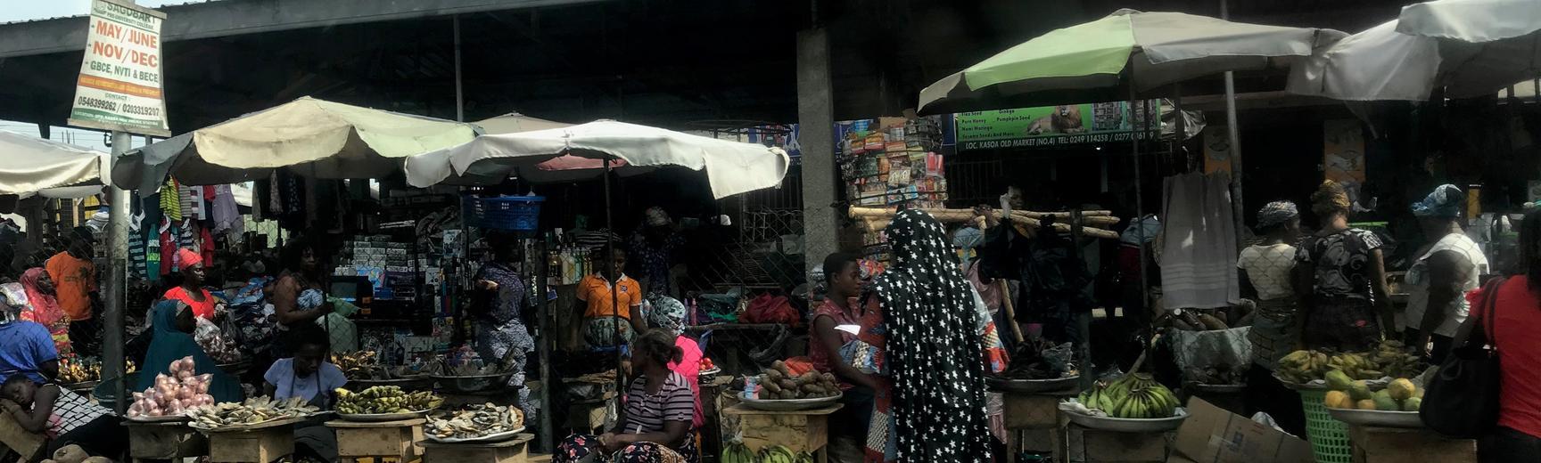 Busy street market outside Accra in Kasoa, Ghana